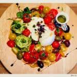 salata cu mozzarella, rosii si dovlecel Fruit Salad, Mozzarella, Food, Salads, Fruit Salads, Essen, Meals, Yemek, Eten