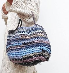 hand woven womans handbag