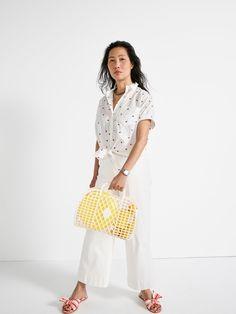 our friend jessica wears madewell short-sleeve tie-front shirt, emmett wide-leg crop jeans + the naida half-bow sandal.
