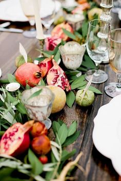 non floral wedding centerpieces table decorated with verdure and pomegranate sorella muse Summer Table Decorations, Fruit Decorations, Decoration Table, Wedding Decorations, Fruit Centerpiece Ideas, Centerpiece Flowers, Table Flowers, Stage Decorations, Decor Wedding