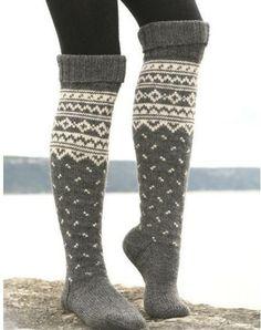 New knitting patterns free socks knee highs drops design ideas Drops Design, Winter Wear, Autumn Winter Fashion, Winter Socks, Fall Winter, Knitting Socks, Hand Knitting, Knitting Patterns, Crochet Socks