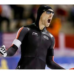 Olympian William Dutton was one of the stars for #TeamCanada this weekend, winning two World Cup long track speed skating medals in Calgary. More at Olympic.ca // L'olympien William Dutton est l'une des stars d'#ÉquipeCanada  du week-end, remportant deux médailles à la Coupe du monde de patinage de vitesse longue piste de Calgary. Plus sur olympique.ca