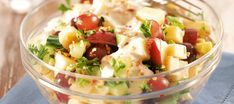 Omena-juustosalaatti Fruit Salad, Salad Recipes, Potato Salad, Good Food, Potatoes, Baking, Ethnic Recipes, Easy, Drinks