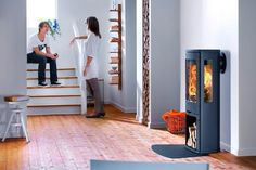 Wood burning, multi-fuel & gas stoves Glasgow at Stove World Glasgow. We stock Charnwood & Contura stoves with live displays in our Glasgow stove showroom. Insert Stove, Flame Picture, Stove Fireplace, Wood Burner, Glass Panels, Hygge, Interior Decorating, New Homes, Contemporary
