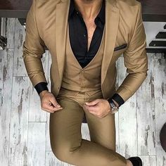 men's fashion suits for business wardrob mens style tips and fashion inspiration Trendy Mens Fashion, Indian Men Fashion, Mens Fashion Suits, Fashion Menswear, Style Fashion, Blazer Outfits Men, Blazer Fashion, Wedding Dress Men, Wedding Suits