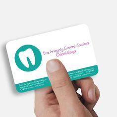 Tarjeta de presentación para la Odontóloga Anayely Casares.