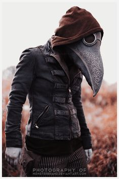 Medico della peste (The Plague Doctor) Mode Steampunk, Style Steampunk, Steampunk Fashion, Steampunk Costume, Steampunk Bird, Steampunk Mask, Steampunk Images, Steampunk Outfits, Gothic Steampunk