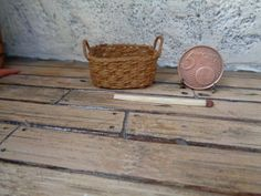Dollhouse Miniature realistic wicker basket  1:12 for dollhouse, Miniature wicker, Miniature backet