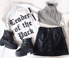 Imagen de closet, grunge, and outfit my style en 2019 Grunge Outfits, Edgy Outfits, Retro Outfits, Grunge Fashion, Skirt Outfits, Look Fashion, Korean Fashion, Summer Outfits, Fashion Outfits