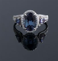Oval natural Alexandrite & Diamond Ring