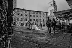 Wedding in San Gimignano http://www.danielatanzi.com My bride and groom have chosen to getting ready in the Taverna di Bibbiano, on the hills of San Gimignano, a charming place, full of calm and serenity. In the afternoon there was a civil ceremony at the town hall of San Gimignano, with a follow photos and video footage filmed in the historic center of the village, and then return to the Taverna di Bibbiano for cocktail and photos in the romantic Tuscan countryside.