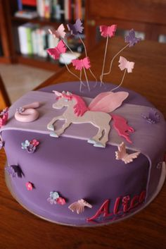 unicorn cake - love this 4th Birthday Cakes, Fairy Birthday Party, Rainbow Birthday Party, Little Pony Cake, Horse Cake, Butterfly Cakes, Colorful Cakes, Cupcake Cookies, Cupcakes