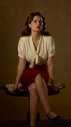 I cropped this photo of Hayley Atwell as Agent Peggy Carter to use as my phone background, at least until Agent Carter returns on January Hailey Atwell, Beautiful Girl Image, Beautiful Women, Hayley Elizabeth Atwell, Hayley Atwell Peggy Carter, Actress Hayley Atwell, Famous Movies, Hot Brunette, Hollywood Celebrities