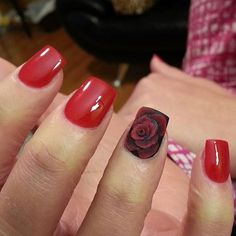 Red and flower nail - 55 Hottest Red Nail Art Ideas <3 <3