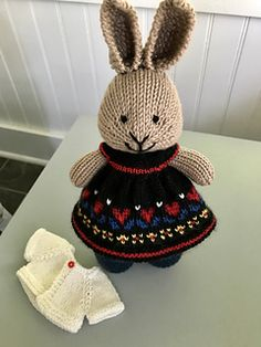 Ravelry: Project Gallery for Seasonal dresses Pattern pattern by Julie Williams Knitted Bunnies, Knitted Animals, Crochet Bunny, Knitted Dolls, Crochet Toys, Animal Knitting Patterns, Stuffed Animal Patterns, Knitting Projects, Crochet Projects