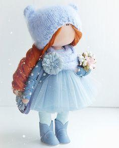 Panenky inspirace Pretty Dolls, Cute Dolls, Beautiful Dolls, Knitted Dolls, Crochet Dolls, Rag Doll Tutorial, Homemade Dolls, Sewing Dolls, Waldorf Dolls