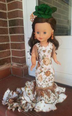 Pram Toys, Nancy Doll, Doll Making Tutorials, Flower Girl Dresses, Baby Dresses, Doll Clothes, Couture, Summer Dresses, Dolls