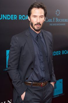 Tuesday Treat! 15 Times Keanu Reeves Looked Smokin' Hot