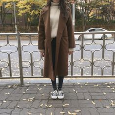 Pin by Sophie Roden on Outfit Inspo in 2019 Korean Winter Outfits, Korean Outfits, Fall Outfits, Fashion Outfits, Grunge Style, Soft Grunge, Korean Street Fashion, Asian Fashion, Hijab Fashionista
