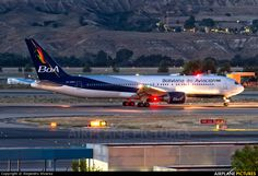 Night Flight - Boliviana de Aviación - BoA CP-2881 aircraft at Madrid - Barajas photo
