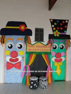 Puertas - Home Trends - Carnaval Clown Crafts, Carnival Crafts, Carnival Decorations, Carnival Themes, School Decorations, Preschool Crafts, Diy Crafts For Kids, Art For Kids, Circus Theme Classroom