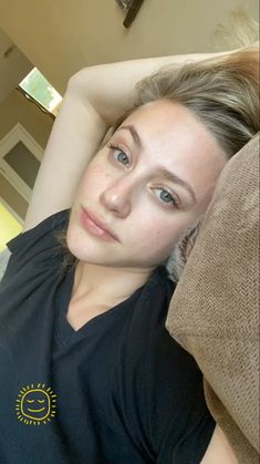 Betty Cooper Riverdale, Riverdale Betty, Riverdale Cast, Riverdale Funny, Lili Reinhart, Beautiful Person, Beautiful Women, I Dont Fit In, Turkish Beauty