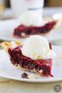 Red Velvet Cookie Pie - Taste and Tell