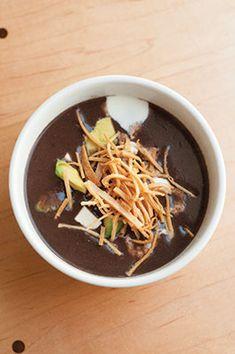 Sopa de Frijol Negro a la Oaxaqueña