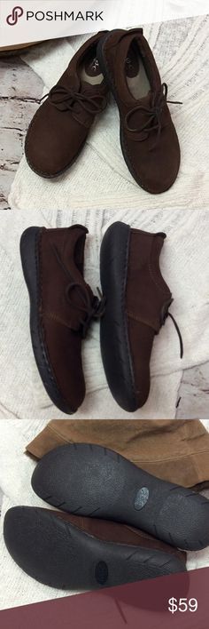 B.O.C. FOR BORN CASUAL BROWN LEATHER SHOES These are perfect for casual with a rich brown leather, fabulous padded footbed for comfort and leather shoelaces b.o.c. Shoes Flats & Loafers