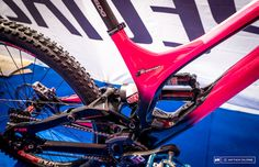96f8584de07 Troy Brosnan s Specialized Demo - Fort William World Cup 2016 Pink Bike,  Fort William
