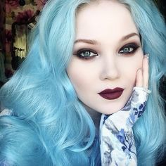 Example of a look you can create with VENUS: The Grunge Palette. Be sure to sign up on www.limecrime.com to get an email the second it launches! For my lips, I mixed of Salem & Wicked. XOXO @doedeere