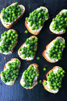 Toasted Pea Crostini | reluctantentertainer.com