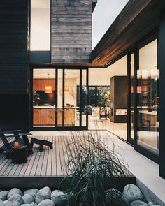 Helen Street House by mw/works Architects Andrew Pogue - Architecture and Home Decor - Bedroom - Bathroom - Kitchen And Living Room Interior Design Decorating Ideas - Patio Design, Exterior Design, Interior And Exterior, Modern Interior, Wall Exterior, Exterior Shutters, Courtyard Design, Exterior Stairs, Backyard Designs