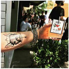 Como encorporar o calor por Carla @notrabalho: braços de fora, caipirinha e pulseiras @carolgregori! Absolutamente TUDO de bom! Obs: vai que São Pedro acredita e traz o Sol de volta né? 🙏. 🌞😎🍹👸💎 #elausacarolgregori #pulseiras #pulseirismo #moda #verao #calor #estilo #look #blogger #bracelet #handmade #exclusive #fashion #summer #style #instablogger #instamood #instatip #instalike