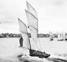 Saint-Malo. Bisquine en régate aux Bas-Sablons.