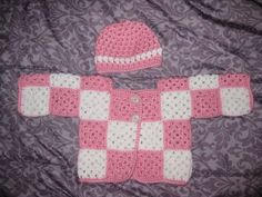 ideas baby girl crochet sweater granny squares for 2019 Baby Girl Crochet, Crochet Baby Clothes, Crochet For Boys, Diy Crochet Sweater, Crochet Preemie Hats, Baby Booties Free Pattern, Baby Girl Sweaters, Baby Girl Quilts, Baby Knitting