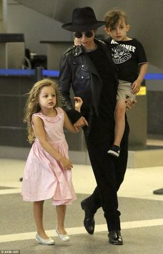 Nicole Richie (& kids), too cute!