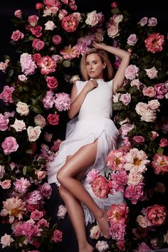 Amanda Shadforth of Oracle Fox for Viktor & Rolf 'Flowerbomb' perfume Creative Portraits, Creative Photography, Portrait Photography, Fashion Photography, Wedding Photography, Digital Photography, Photography Flowers, Photography Ideas, Fotografia Boudoir