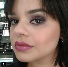 consultora @luanamchaves, do Beauty Team da NYX do Teresina Shopping: Round Lipstick Pandora nos lábios e olhos esfumados com as sombras da paleta Prima Donna (coleção Love in Florence)