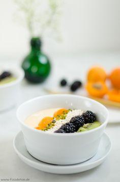 Kiwi Smoothie Bowl von den [Foodistas] http://foodistas.de/ #kahla #kahlaporzellan