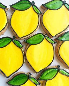 If only life would give us lemon cookies... @cookiemessenger #cookiecutterkingdom