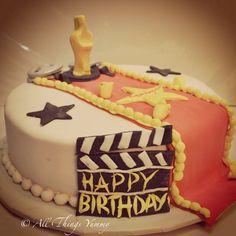 And the #Oscar goes to... #hollywoodcake #themecake #themeparty #take #walkoffame #hollywood #award #popcorn #redcarpet #reel #filmreel #movies #actors #atyummy #designercake #customisedcake #cake #cinema