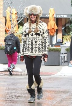 Elle MacPherson Outfits with snow boots, Crewneck Sweater, Leggings for 2014