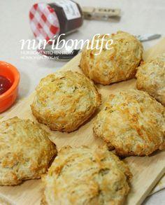 <KFC비스켓> 빠샥빠샥 너무 맛있쪄^^ 패스트푸드점 따라잡기 : 네이버 블로그 Kitchen Stories, Breakfast Bake, No Bake Desserts, Muffin, Food And Drink, Bread, Cooking, Cake, Health