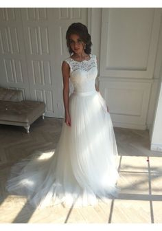 Sleeveless White Wedding Dress,Sexy Appliques Bridal Dress