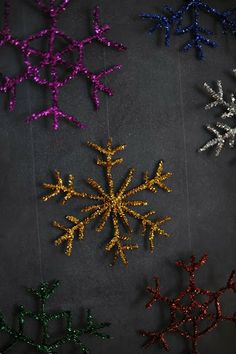Rust & Sunshine: Pipe Cleaner Snowflakes