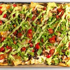 48 Nachos Recipe Ideas That Will Make You Lick Your Fingers Clean - First for Women Grilled Avocado, Grilled Zucchini, Cheesy Recipes, Real Food Recipes, Nacho Recipes, Dinner Recipes, Chicken Nachos Recipe, Chicken Recipes, Breakfast Nachos