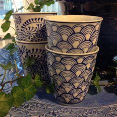 Blått är flott! Favorit på R.O.O.M. mugg, olika mönster 55kr/st #butikenroom #blått #blå #mugg