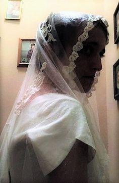 Ivory  Lace Venise Lace Bridal Veil Grace Kelly by HelensHatbox