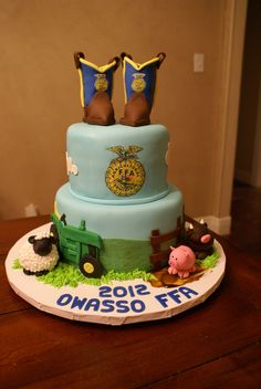 ffa cake | This cake was made for the annual FFA cake auction. All the animals ...